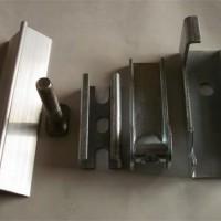 全不锈钢裙板夹持器    主要生产不锈钢夹持器