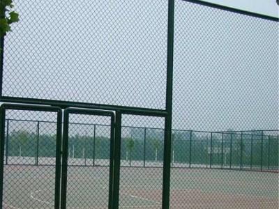 提議場圍網體育場隔離柵多少錢一米?