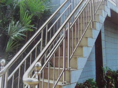 焦作鋅鋼樓梯扶手 樓梯欄桿新力護欄生產廠家定制安裝