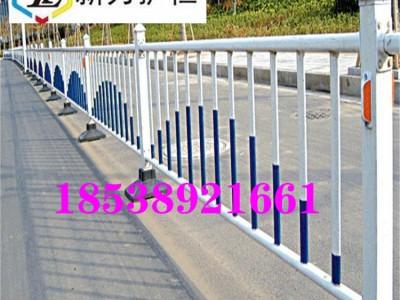 新郑交通隔离栏 道路护栏安装时要注意什么