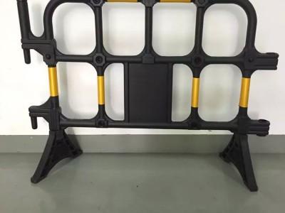 道路施工隔离塑料护栏 多款式防撞塑料铁马 轻便灵活循环使用