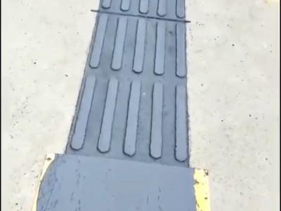 聚合物现浇金刚盲道 沥青路面专用盲道 各种颜色盲道施工