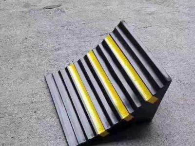 河北北京天津路沿坡爬坡器制作安装请找北京京凯腾达杨上葵