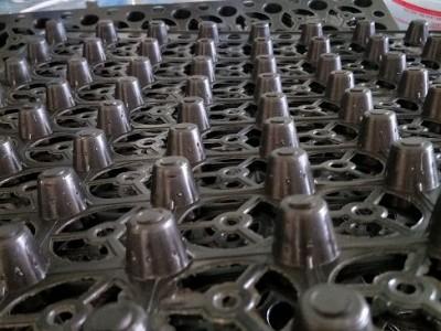 供应上海排水板厂家%重庆20厚排水板+车库塑料排水板