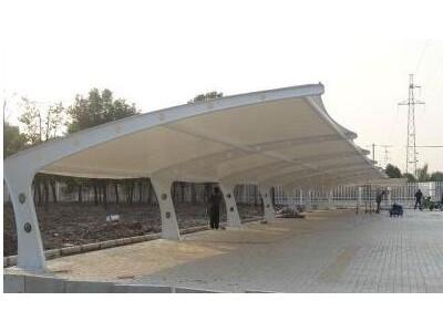 仙桃充电桩雨棚设计 仙桃汽车棚索膜结构价格