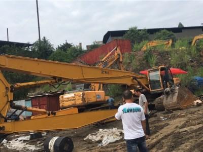 现代385挖掘机拆楼臂-拆楼臂-挖掘机高炮