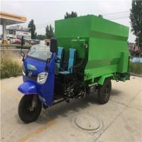 牧场机械撒料喂料一体机 多用途省油饲料撒料车