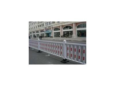 周口pvc护栏道路护栏新力护栏厂家直销现货供应