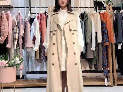 金粉名裳2020女装 新款上衣外套宽松时尚风衣品牌折扣女装