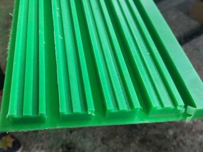 江苏T型塑料链条导轨08B,10B,12B