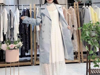 鋇禾2020年宽松显瘦新款春装系列品牌折扣女装批发货源