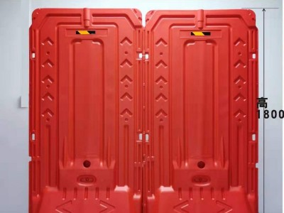 现货直销新型塑料水马围挡 1.8米高红色高栏水马隔离围墙