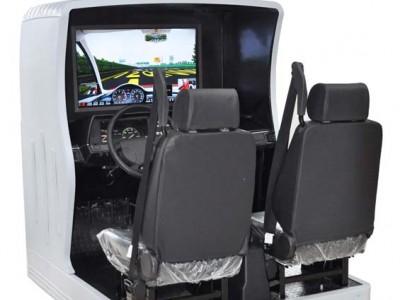 大屏幕双人座汽车驾驶模拟器