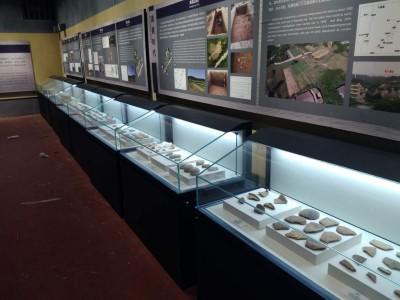 深圳博物馆玻璃展示柜展示柜精品展示柜模型展示柜