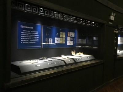 深圳隆城展柜厂家