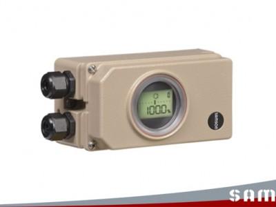 萨姆森定位器如何把负极电流连接到接线盒LOO上?