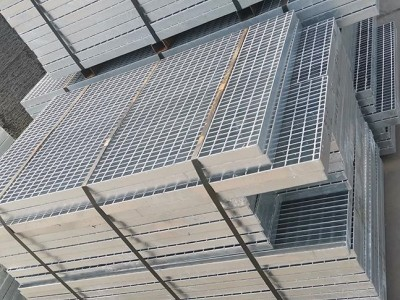 热镀锌钢格板、钢格板踏步、异型钢格板、复合钢格板